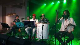 Sesc São Carlos apresenta show gratuito com grupo Sambeabá