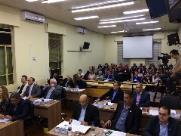 Farofino: Projeto que regulamenta 13º e férias a secretários deve beneficiar vereadores