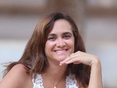 Para Sheyla Fernandes, separada  há cinco anos, a maior independência da mulher é um dos fatores que motivam a alta nos divórcios - Foto: Milena Aurea / A Cidade