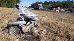 Câmera flagra acidente que matou três pessoas da mesma família na SP-310