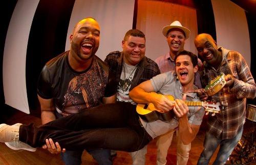 Grupo celebra 10 anos de carreira relembrando grandes sucessos do samba além de músicas autorais (Foto: Reprodução - Rede Social). - Foto: Reprodução - Rede Social