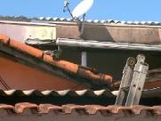 Homem morre após levar choque em cima de telhado de casa em Ribeirão Preto