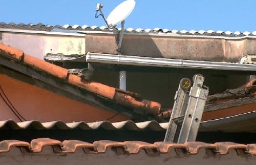 Vítima estava no telhado quando levou choque elétrico - Foto: Reprodução EPTV