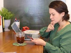 A psicóloga Flávia Cáceres: possibilidade de manter o vínculo entre paciente e terapeuta - Foto: Francine Micheli
