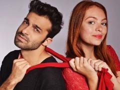 Thiago Uriart e Sharon Barros encenam a comédia romântica 'DR' - Foto: Divulgação