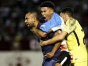 Nos pênaltis, Timão derrota Sport e segue em Araraquara