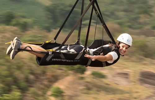 Passeio de tirolesa do hotel Parque dos Sonhos dura 40 segundos e fica a 140 metros do chão | Foto: divulgação - Foto: Divulgação