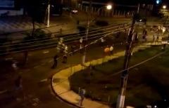 Torcedores se enfrentaram na noite desta quarta-feira - Foto: Reprodução de tv