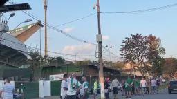 Torcida do Guarani protesta em frente ao Brinco de Ouro