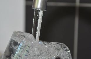 Divulgação / Pixabay - Individualizar os hidrômetros para que cada morador arque com seu consumo de água é uma das dicas