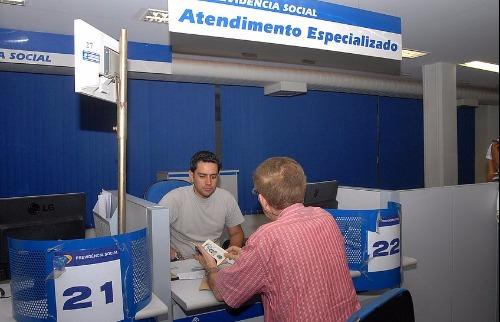 Foto: EBC - Trabalhadores podem sacar PIS. Foto: EBC