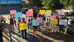Protesto em Ribeirão pede justiça pela morte de Milena Massafera