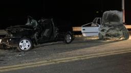 Três pessoas ficam feridas após grave acidente na SP-255