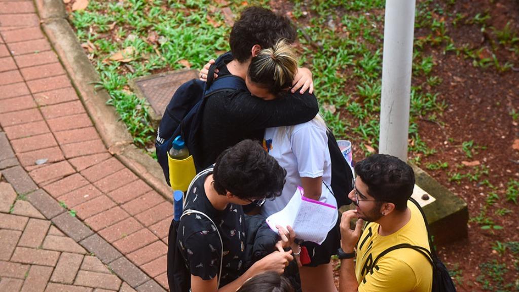 Estudantes aguardam para fazer prova da segunda fase do Vestibular Unicamp - Foto: Antonio Scarpinetti/SEC Unicamp