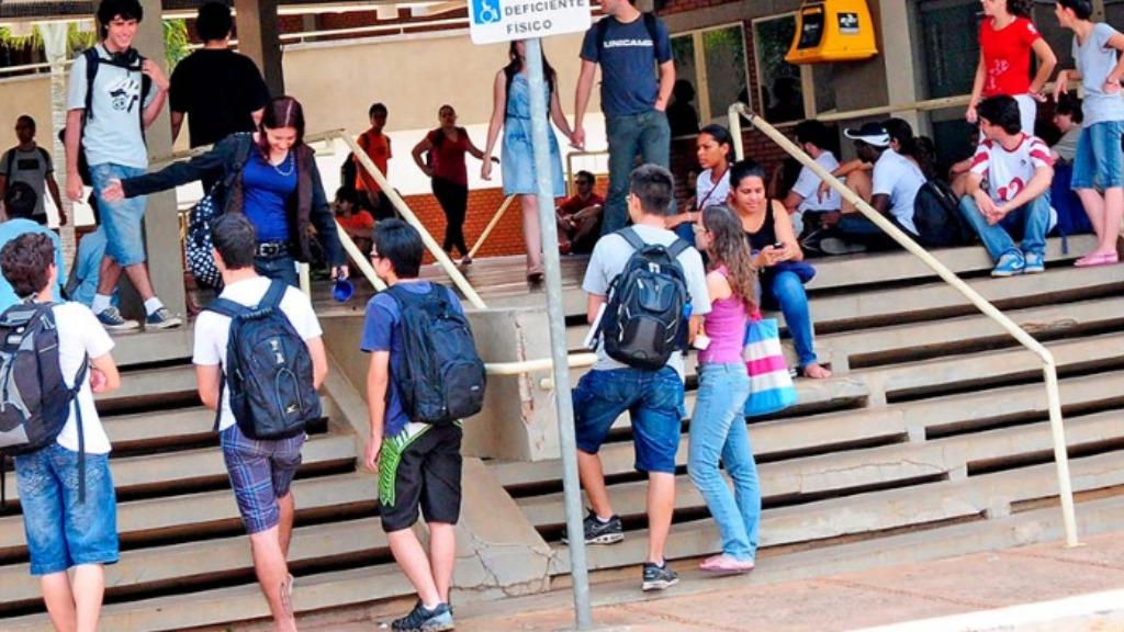 Estudantes no Ciclo Básico da Unicamp - Foto: SEC Unicamp