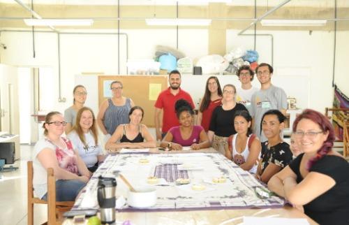 Oficina da torta de limão realizada na USE (Foto: Ana Paula Sannicolo - CCS/UFSCar) - Foto: Divulgação
