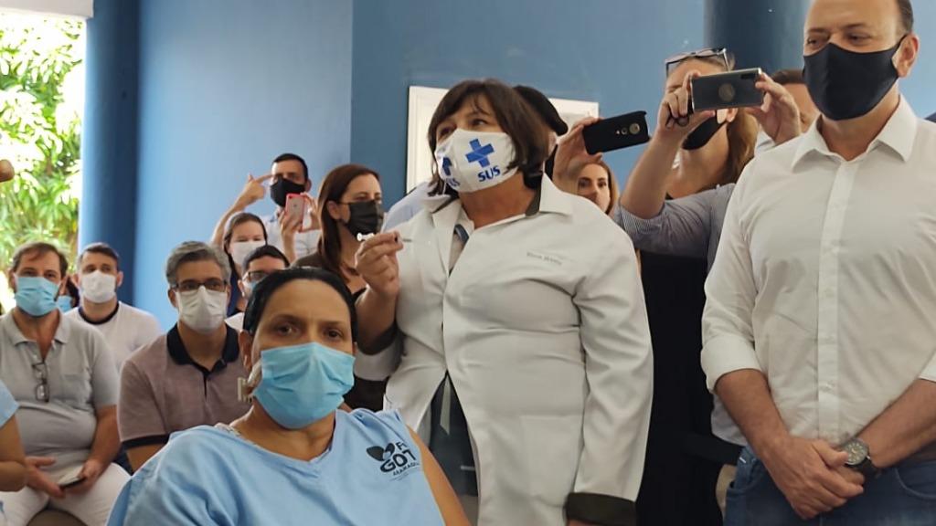 Aplicação da primeira vacina em Araraquara (Foto: Amanda Rocha) - Foto: ACidade ON - Araraquara