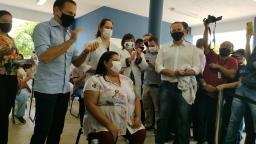 Primeira fase da vacinação dura uma semana em Araraquara