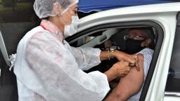 Pedreira tem sábado de vacinação drive-thru contra a covid-19