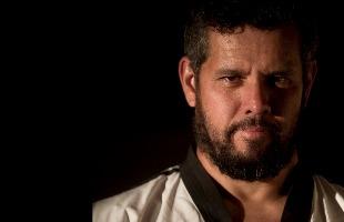 """Matheus Urenha / A Cidade - Vanderlei Rambau, atleta e técnico do time de taekwondo de Ribeirão Preto está sem receber os """"salários"""" do Bolsa (foto: Matheus Urenha / A Cidade)"""
