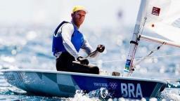 Robert Scheidt termina dia de regatas em 3º na classificação geral