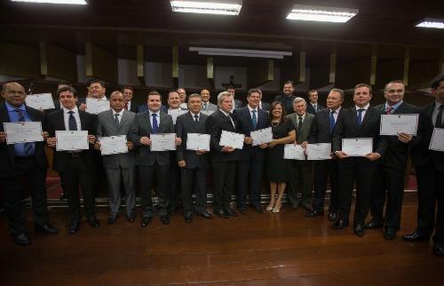 Mastrangelo Reino / A Cidade - Parlamentares eleitossão diplomados para nova legislatura