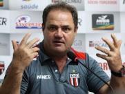 Vica não seguirá no comando técnico do Botafogo