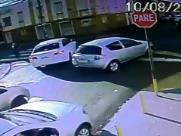 Mulher é atropelada na faixa de pedestres em Ribeirão Preto