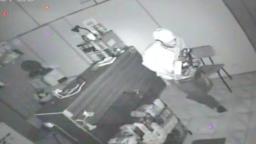 Vídeo mostra furto de loja de eletrônicos em Campinas