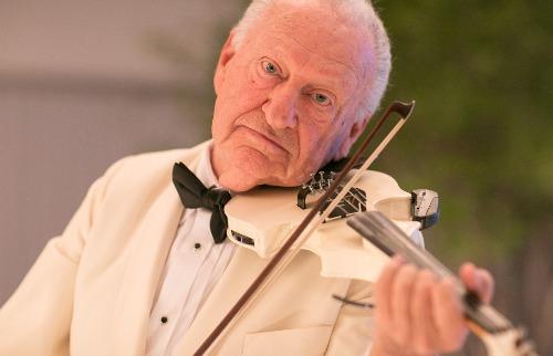 Divulgação - O violinista Nicolau Sulzbeck se apresenta em Ribeirão Preto (foto: Divulgação)
