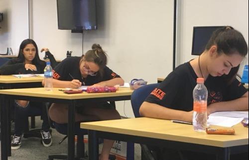 Estudantes fazem a prova da segunda fase do Virando Bixo - edição 2018 na sede da EPTV em Campinas - Foto: Virando Bixo