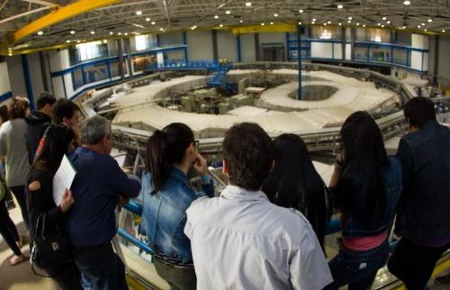 Divulgação/CNPEM - Visita guiada em um dos laboratórios. Foto: Divulgação/CNPEM