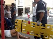Mulher é atropelada por bicicleta em rua do Centro