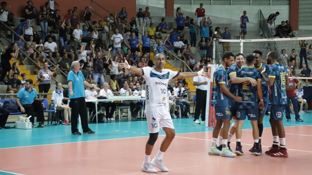 Equipe de Marcos Pacheco está a três pontos da zona de classificação (Foto: Rubens Okamoto / Vôlei Ribeirão) - Foto: Divulgação / Vôlei Ribeirão