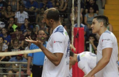 Matheus Urenha / A Cidade - Time perdeu amistoso por 3 sets a 1 na Cava do Bosque
