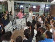 Jogo ensina divisão entre poderes a crianças em ONG
