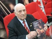 Livro que conta a trajetória do empresário Waldomiro Sandrin é lançado