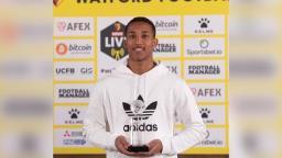 Atacante de Ribeirão é eleito melhor jovem jogador de time inglês