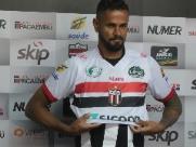 Botafogo anuncia retorno do zagueiro Naylhor