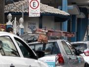 Aposentados e deficientes poderão ter 2 horas de estacionamento grátis